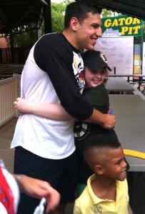 Milan Lucic meets homeless children at a Community Teamwork event